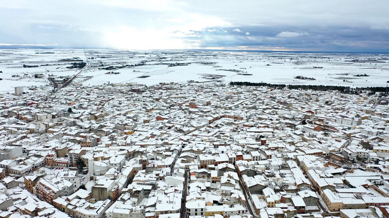 Villarobledo y sus alrededores (Albacete) cubiertos por la nieve de la borrasca Filomena. Shutterstock / Lifes_Sunday