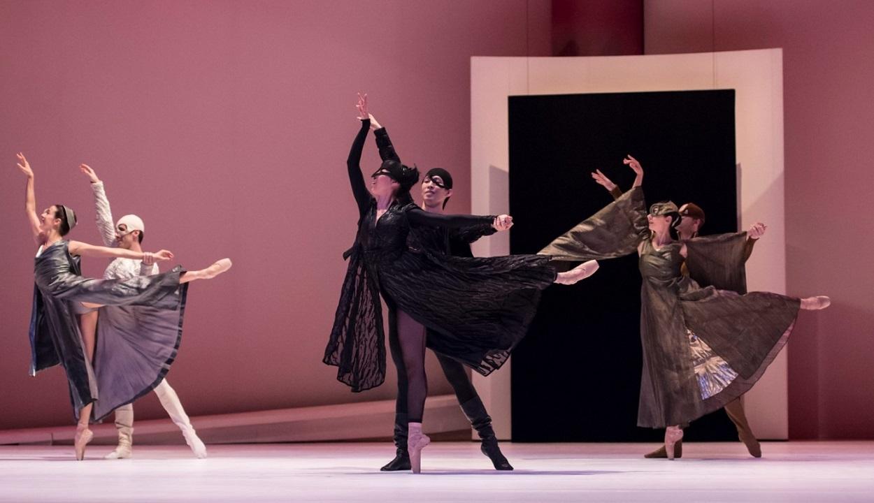 Escena de Romeo and Juliette (Les Ballets de Monte Carlo, 1996). Les Ballets de Monte Carlo / ©Alice Blangero
