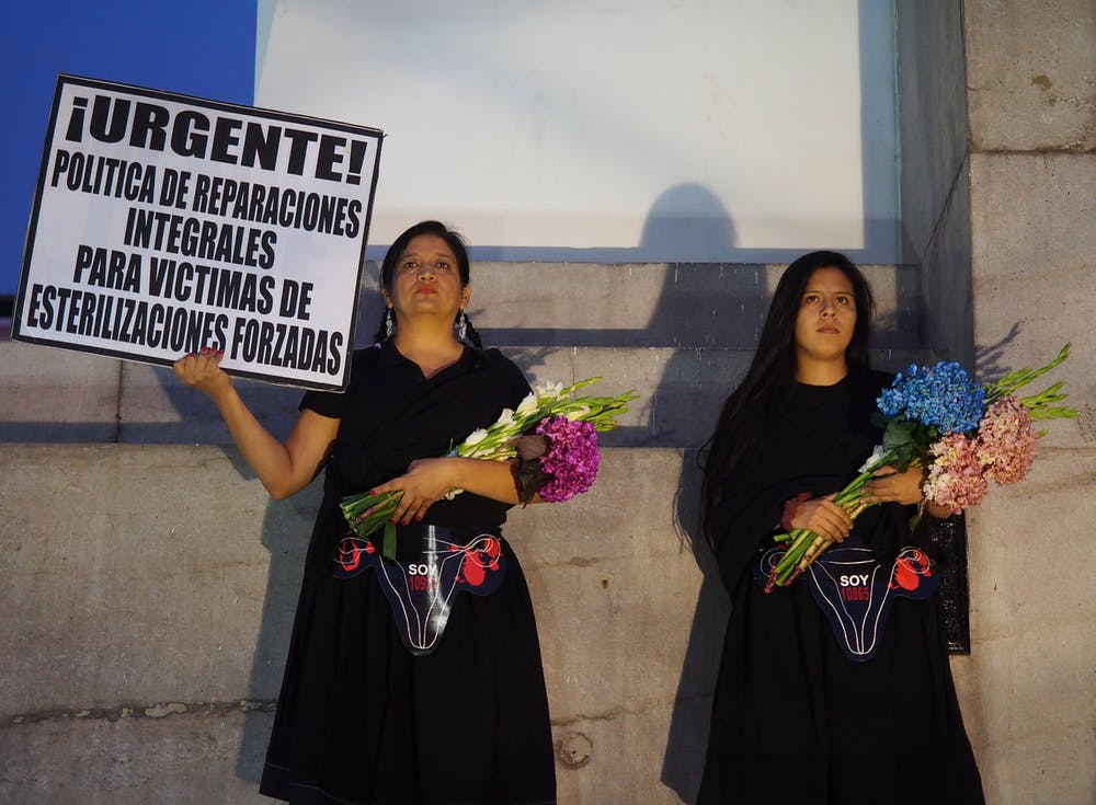Mujeres peruanas exigen justicia por las esterilizaciones forzosas. Fotoholica Press/LightRocket via Getty Images