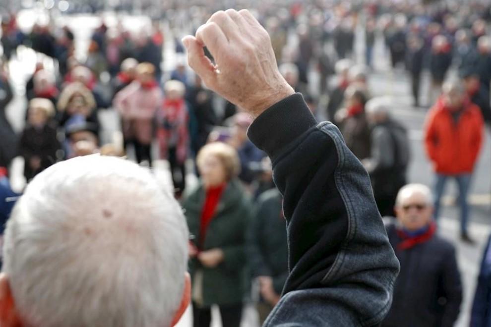 Imagen de archivo de una movilización del movimiento de pensionistas en Bilbao. EFE/LUIS TEJIDO
