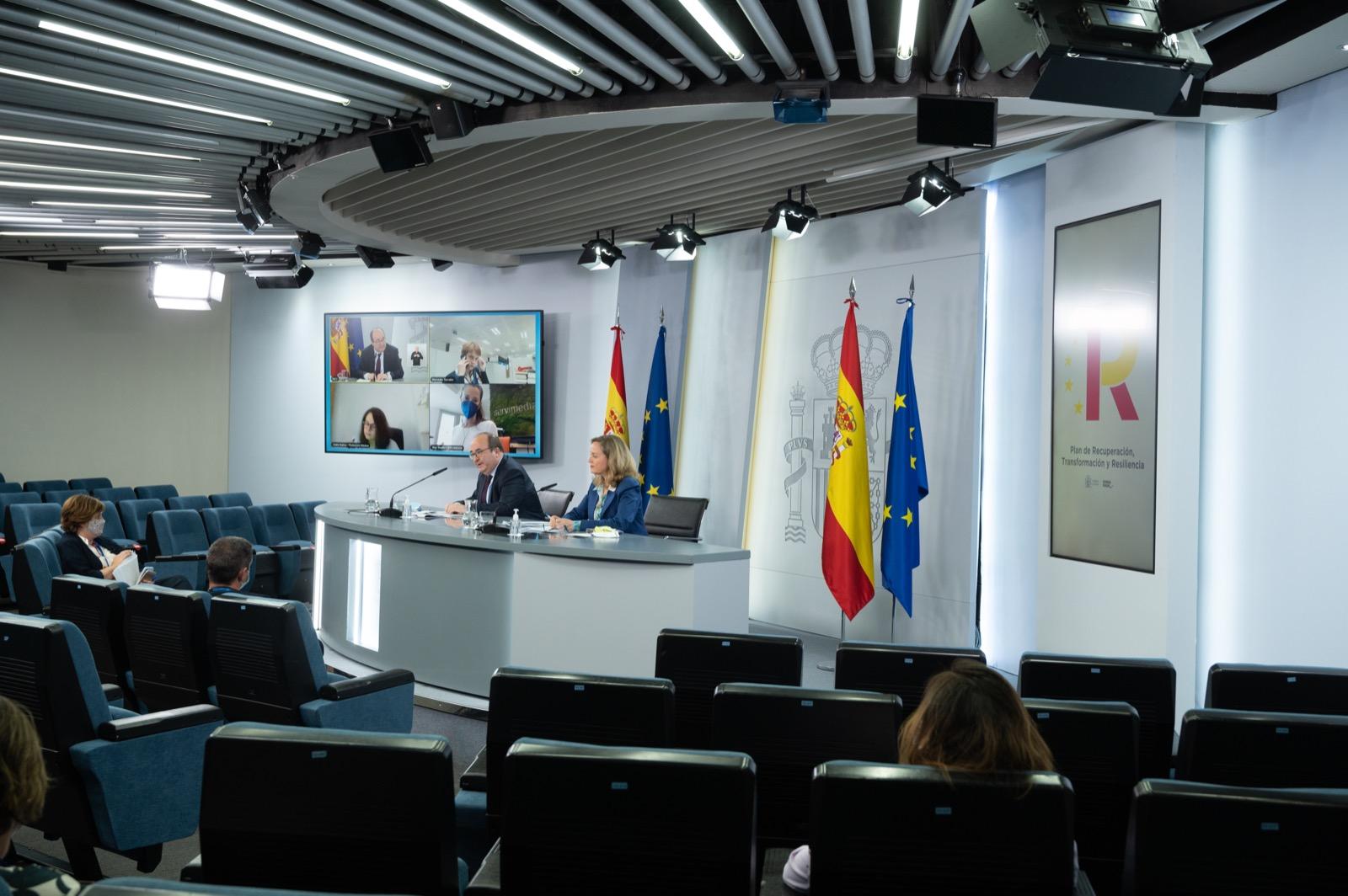 rueda de prensa del lunes de Iceta y Calviño para presentar el Plan de modernización de la Administración Pública para mejorar los servicios digitales a ciudadanos y empresas.- MONCLOA