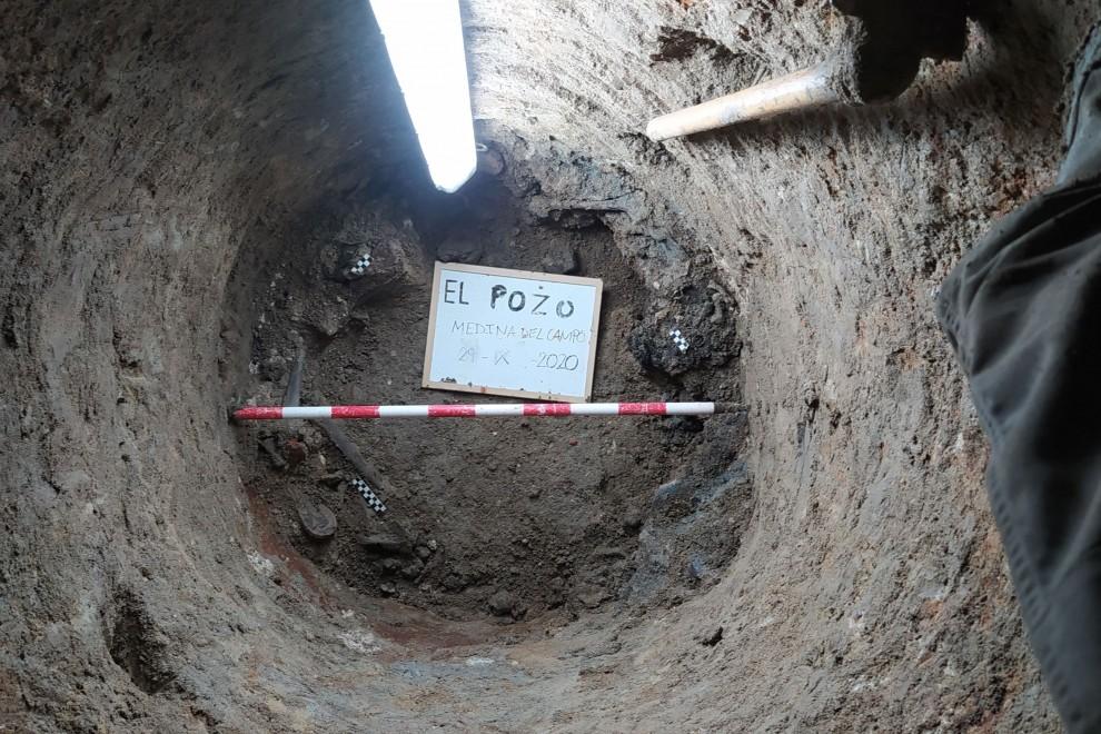 Foto general de 'El Pozo', situada a escasos kilómetros de Medina del Campo, donde la ARMH de Valladolid ha encontrado restos humanos a 31 metros bajo tierra.-. — ARMH VALLADOLID