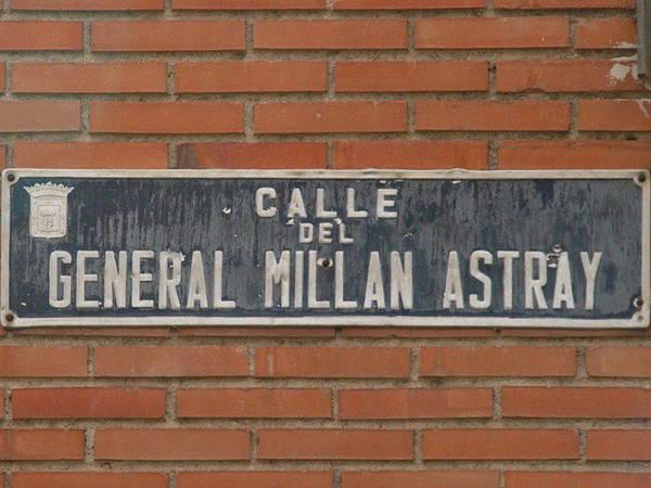 Placa de la calle Millán Astray, en Madrid.