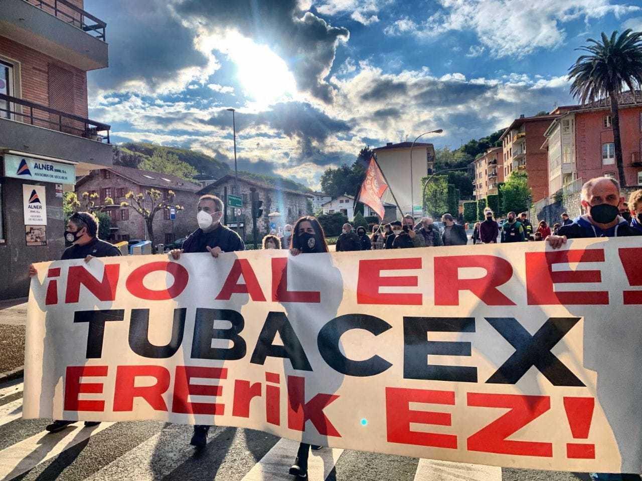Manifestación contra el ERE en Tubacex.