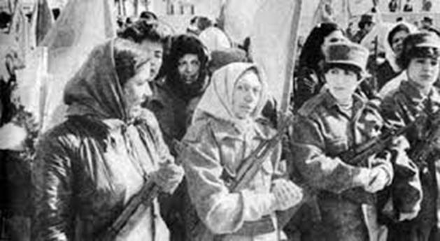 Unas 15,000 mujeres tomaron armas para defender el incipiente estado socialista de los integristas-EEUU, 1986