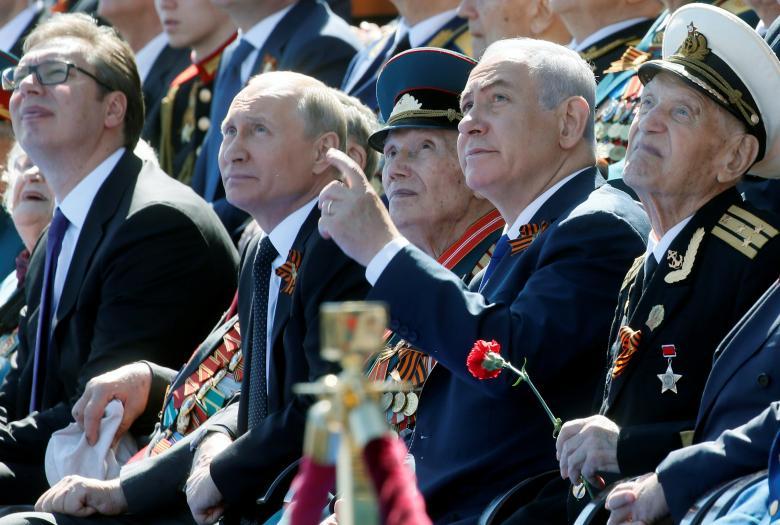 Vladimir Putin con Benjamin Netanyahu, invitado de honor a la conmemoración del 73 aniversario de la victoria de soviética sobre la Alemania nazi. REUTERS