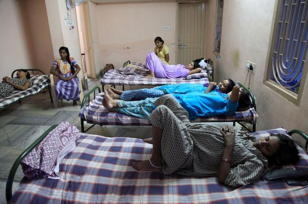 India: Una granja de bebés
