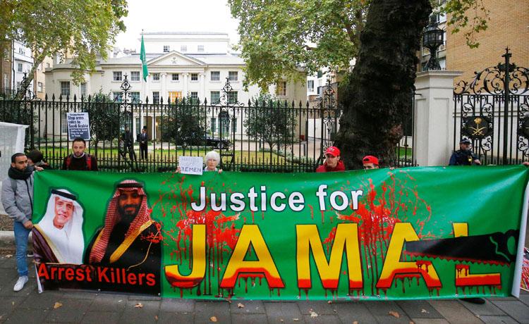 Manifestación por el asesinato del periodista Jamal Khashoggi, frente a la Embajada de Arabia Saudí en Londres. REUTERS/Henry Nicholls