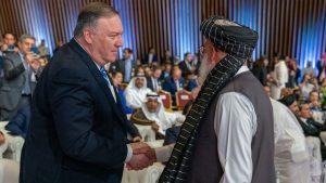 Trump, Nobel de la Paz por devolver el poder al Talibán y donar a los afganos unos covid-19