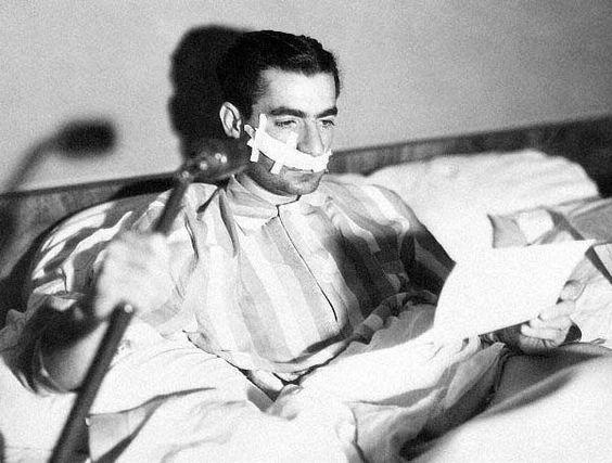 El Sha en el hospital tras el supuesto atentado, Teherán 1949