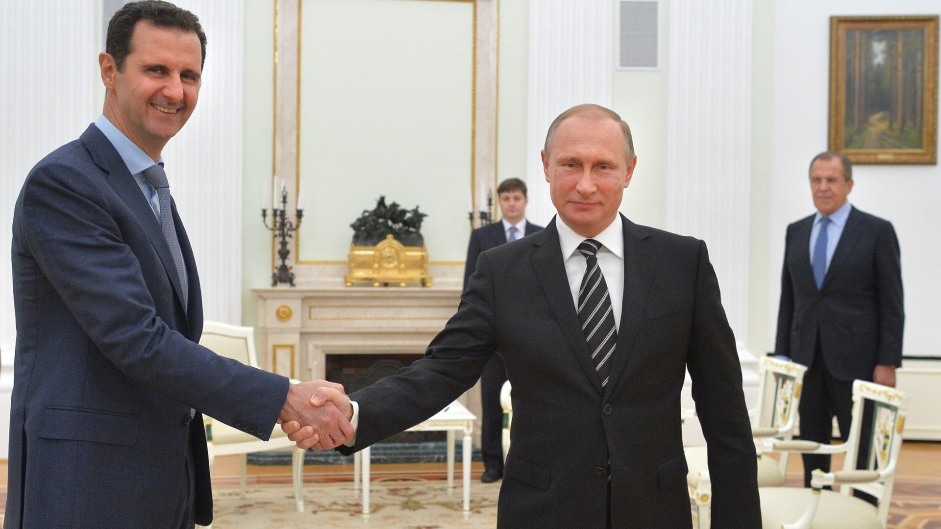 Vladimir Putin recibe a Bashar al-Assad en el Kremlin. Noviembre de 2015