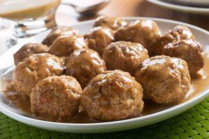 Receta de albóndigas en salsa de pimentón