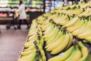 bananas en el supermercado