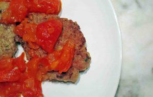 Receta de filetes rusos tradicional con salsa de tomate casera