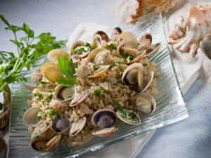 Arroz con chirlas o almejas: una receta con esencia marina