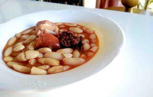 Receta de fabada asturiana.