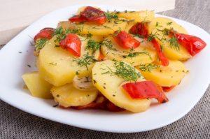 Patatas a lo pobre con pimientos.