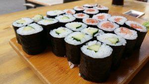 Sushi con algas.