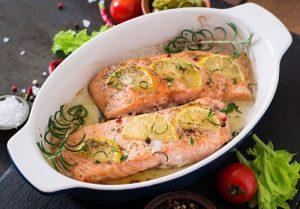Receta de salmón con miel y limón al horno.