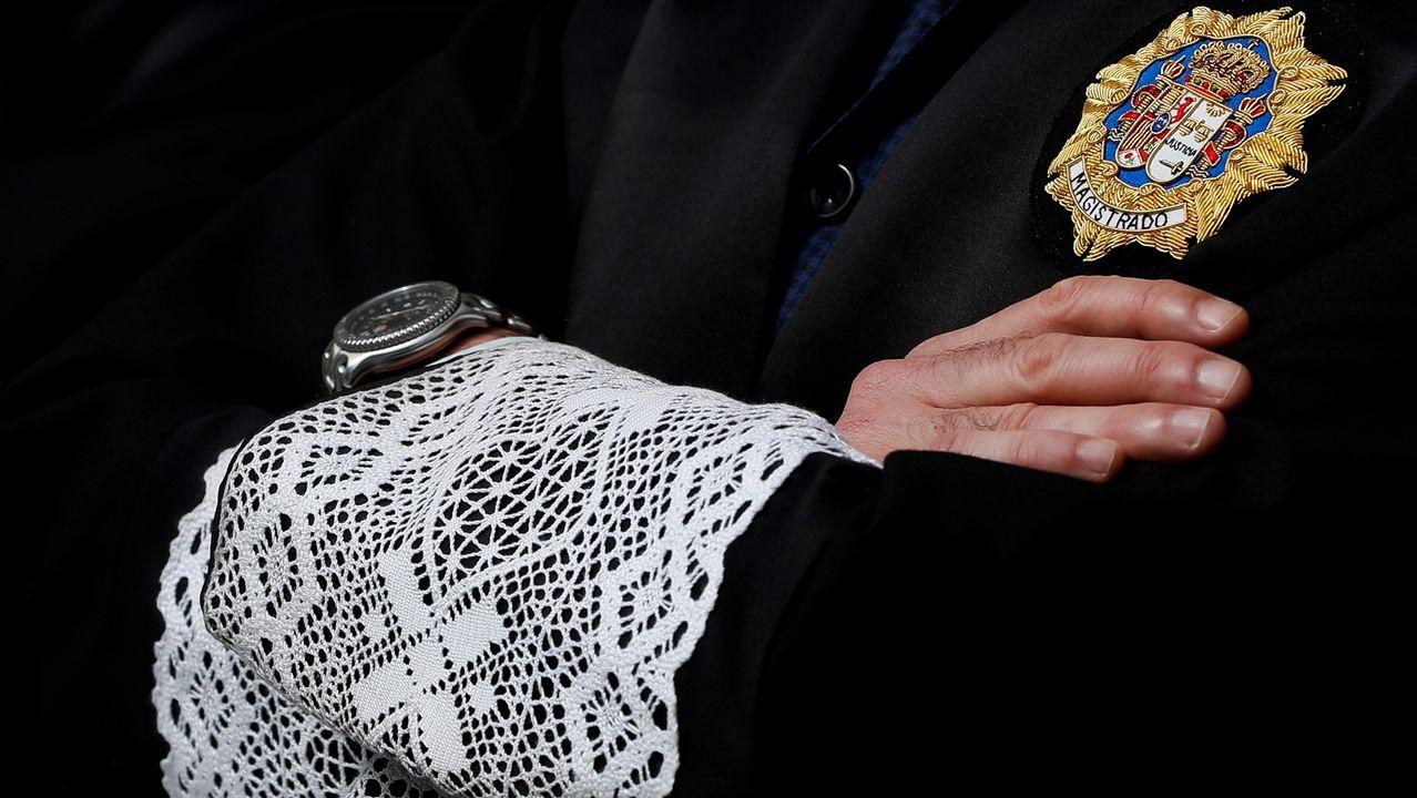 Un magistrado vestido con la tradicional toga. EFE
