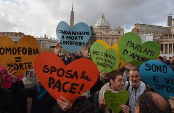 vaticano-manifestazione-contro-omofobia-chiesa-cattolica-09