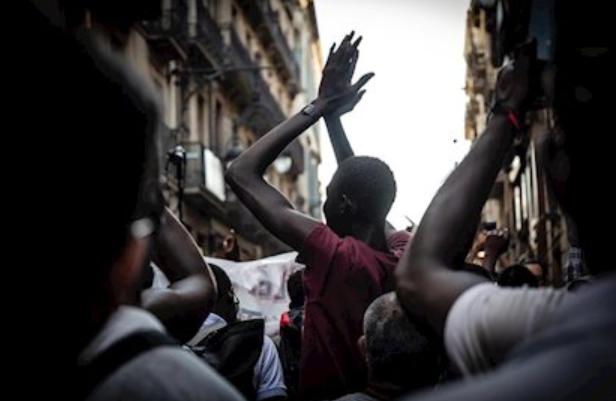 Concentració de protesta contra el racisme institucional