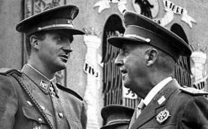 El rey emérito, Juan Carlos I, junto al dictador Francisco Franco