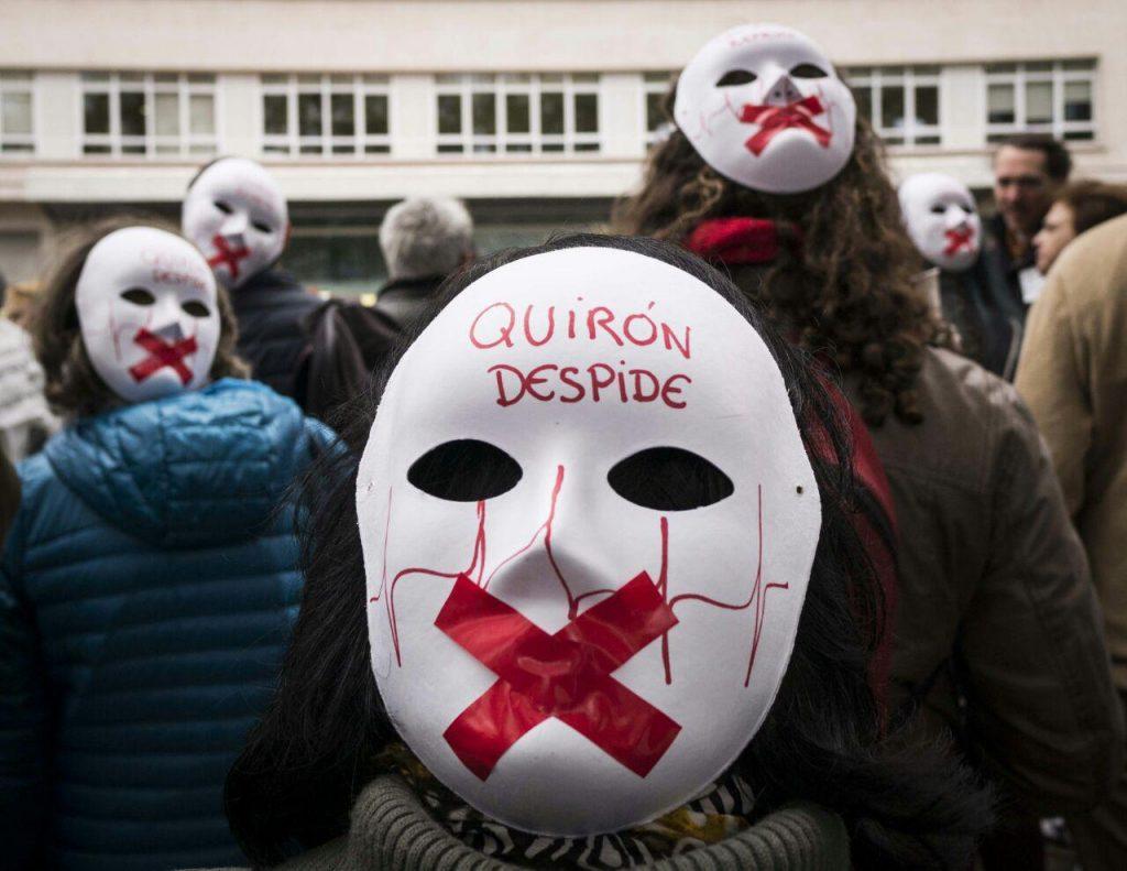 Concentración #StopQuiron contra los despidos en el hospital de Villalba. Foto Fran Villalba / #404 Comunicación Popular